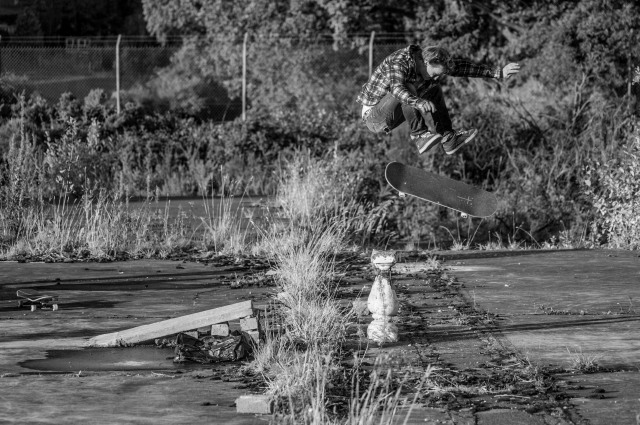 Mini Brown Kickflip pic by Dodds